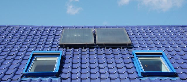 Roofing in Derby – How To Know When It's Time to Hire a Professional