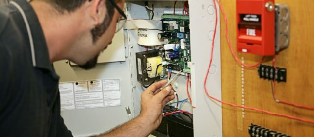Outsource Your Company's Electrical Work to a Professional Contractor