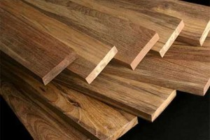How to Select the Right Wood for Your Next Outdoor Task