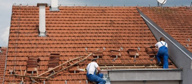 Factors that Influence The Lifespan of Roofing Systems